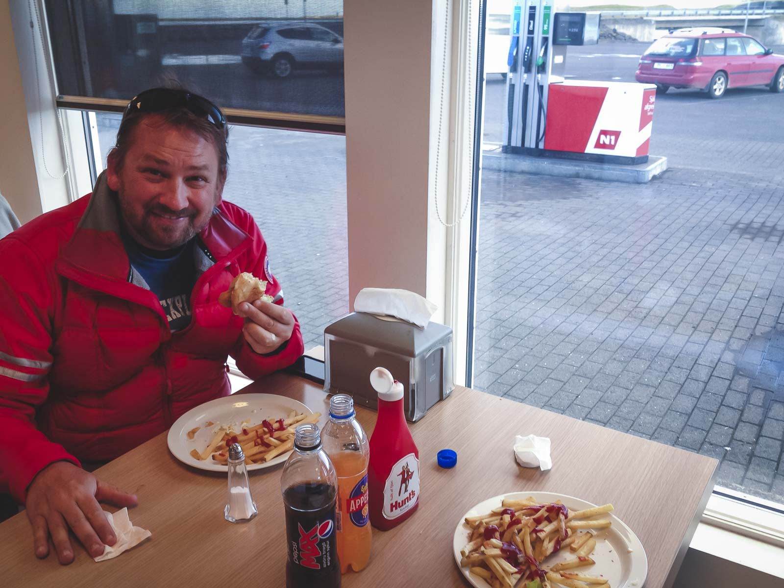 Eating Icelandic Hot Dogs in Iceland