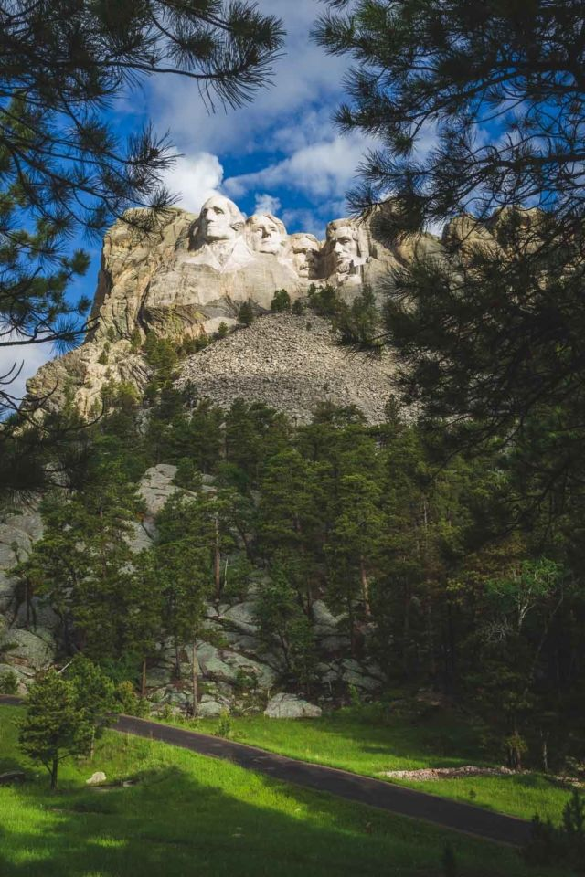Views from the Presidents trail Mount Rushmore