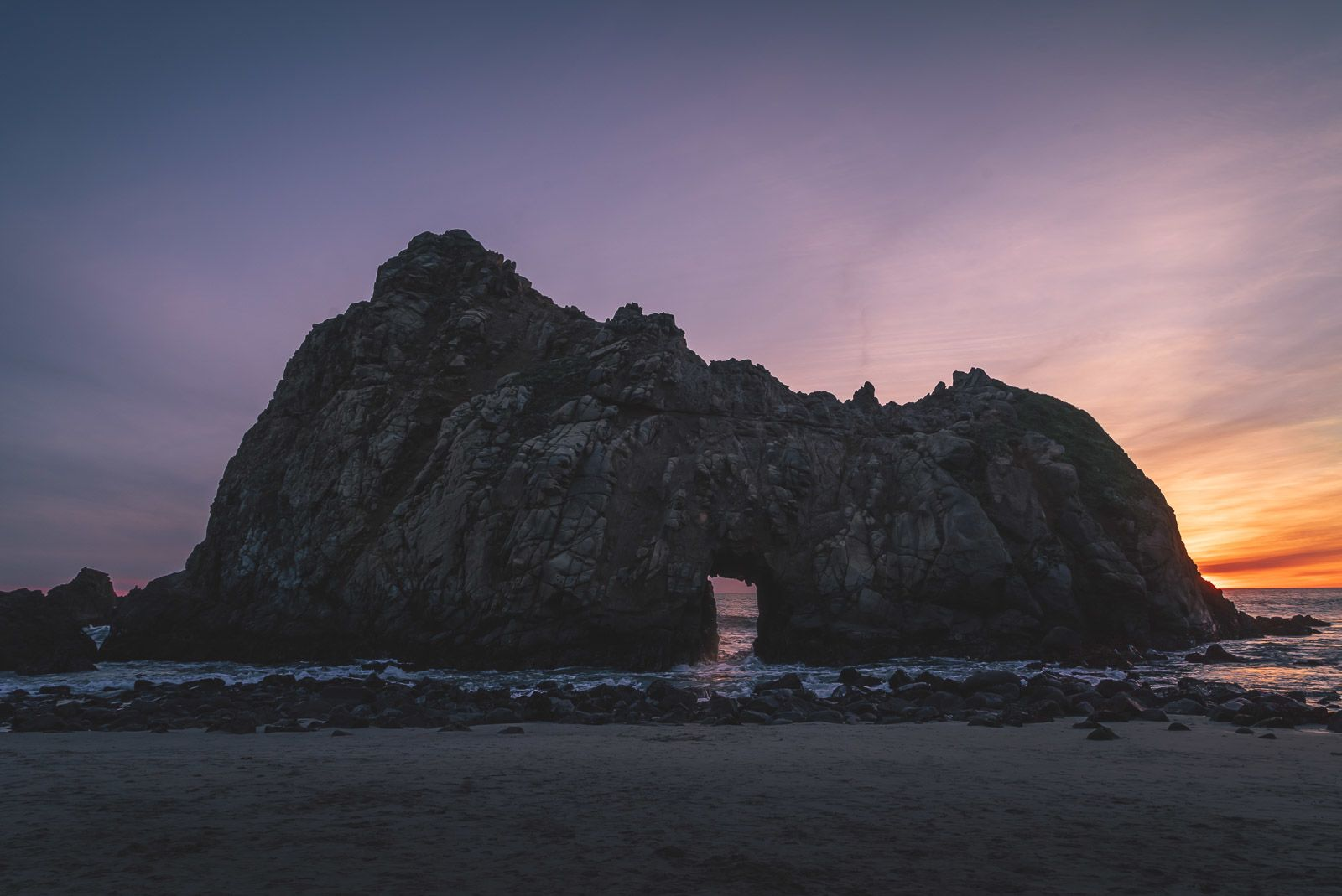 Big Sur things to do Pfeiffer Beach Arch